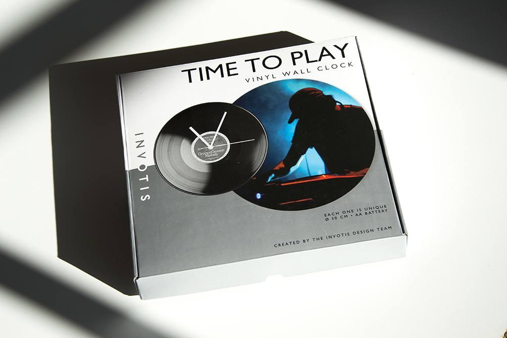 Ditverzinjeniet.nl – Invotis Vinyl klok | Label of Suze